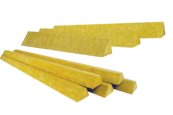 Mineral wool pitch boards and wedges isolslope for Mineral wool insulation health and safety